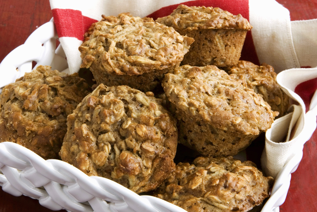 Muffins à l'avoine, aux pommes et à la cannelle