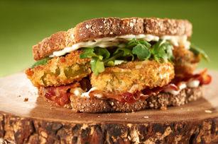 Sandwich «BLT» aux tomates vertes frites Image 1