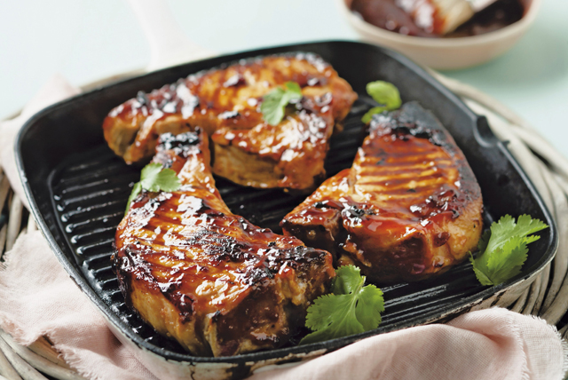Pork Chops with Cranberry Barbecue Sauce Image 1