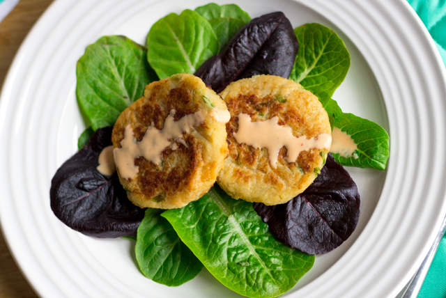 Grilled Crab Cakes Image 1