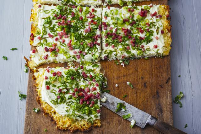 Pain plat de chou-fleur à la pancetta et aux herbes Image 1