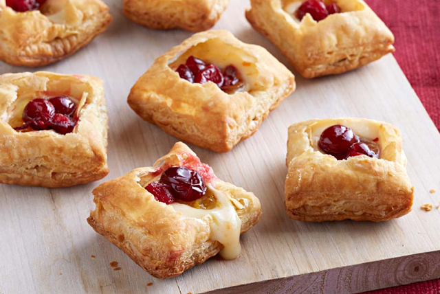 Cranberry-Habanero Cheese Puffs