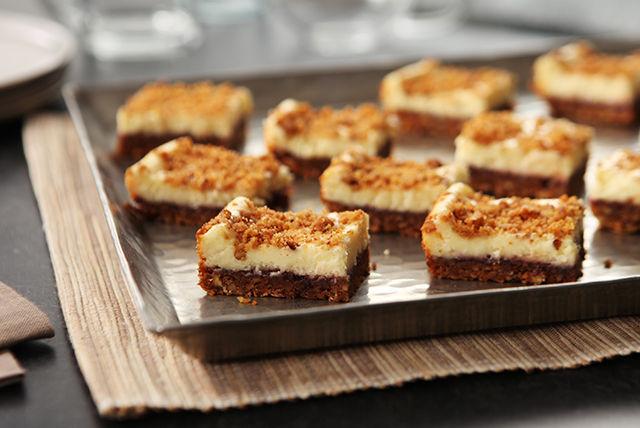 Barres de gâteau au fromage aux framboises et aux pacanes Image 1