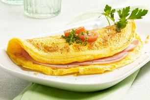 Cheesy Ham & Tomato Omelette Recipe