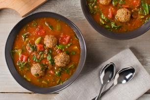 Soupe à l'escarole et aux boulettes de viande