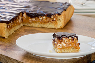 Chocolate-Caramel Pretzel Bars