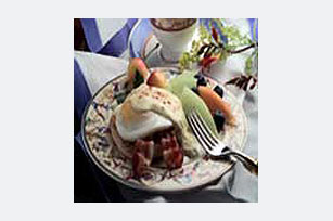 Easy Bacon Eggs Benedict Image 1