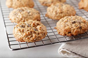 Oatmeal-Raisin Cookies Image 1