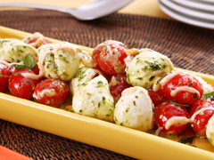Bistro Tomato & Mozzarella Salad with Pesto