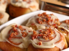 Bacon-Maple Cinnamon Buns