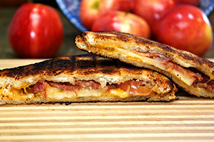 Apple Bacon Grilled Cheese Image 1