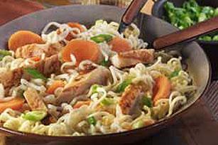 Fideos con pollo estilo chino Image 1