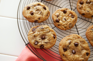 BAKER'S Best Chocolate Chip Cookies