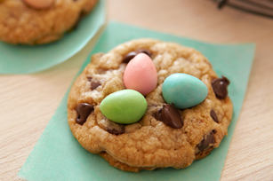 BAKER'S Easter Chocolate Chip Cookies Image 1