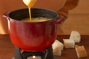 Beer and Cheddar Fondue Image 1