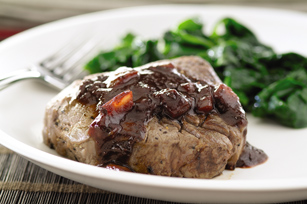 Beef Tenderloins with Red Wine Sauce