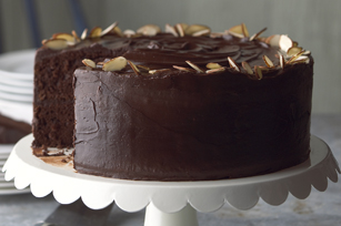 Our Best Ever Chocolate Fudge Layer Cake Kraft What S Cooking