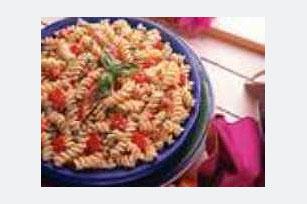 Bistro Tomato & Basil Pasta Image 1