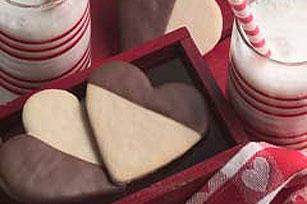 Galletas blanquinegras en forma de corazón Image 1