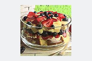 Pastel de fruta y crema en capas Image 1