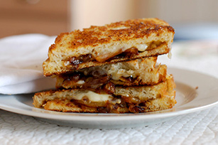 Caramelized Onion Grilled Cheese Image 1