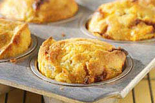Cheesy Chili-Cornbread Muffins