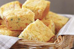 Cheesy Jalapeño Cornbread Image 1