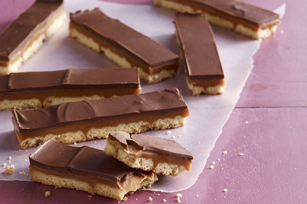 Barritas de galletas con chocolate y caramelo