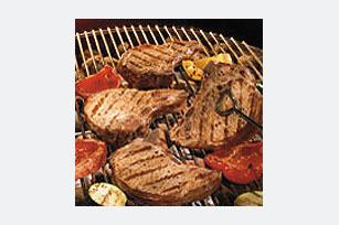 Chuletas de cerdo marinadas con vegetales asados Image 1