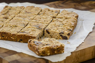 Cinnamon Raisin-Peanut Butter Granola Bars