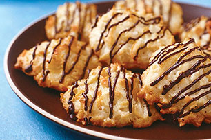 Citrus-White Chocolate Macaroons Image 1