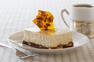 Gâteau au fromage au café et à la nougatine aux noisettes