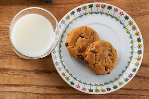 Biscuits et lait en collation Image 1