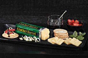 CRACKER BARREL Vermont White Cheddar Pairing Tray
