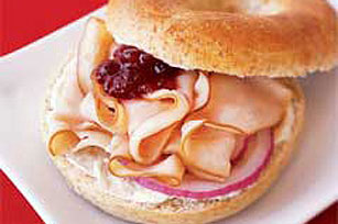 Cranberry-Turkey Bagel Sandwich