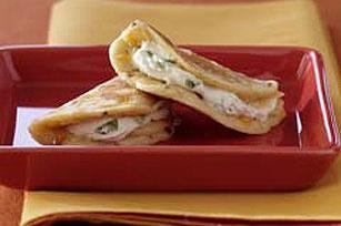Panecitos de maíz rellenos de queso crema Image 1