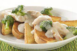 Creamed Chicken on Toast Image 1