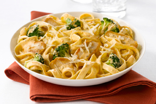 Creamy Sun-Dried Tomato, Chicken & Broccoli Pasta