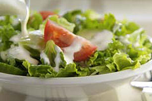 Creamy Garlic Salad Dressing Image 1