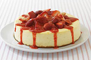 Enjoyable Creamy Cheesecake With Strawberry Sauce Download Free Architecture Designs Scobabritishbridgeorg
