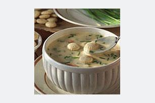Suculenta sopa de papas y vegetales Image 1