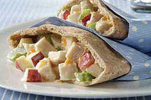 Crunchy Chicken-Apple Pita Image 1