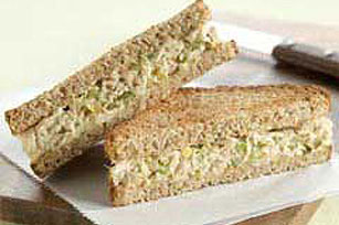 Crunchy Tuna Salad Sandwich Recipe