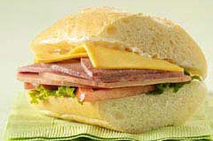 DELI DELUXE® Sub Sandwich
