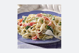 Vegetable Fettuccine Alfredo Image 1