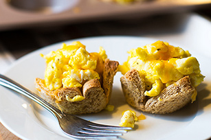 Easy Egg and Toast Cups