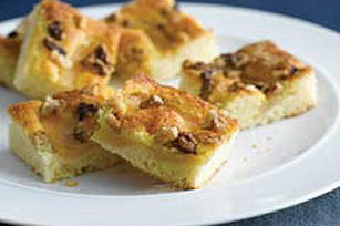 Easy Autumn Pear Cake Image 1