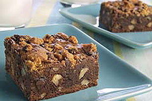 Fáciles brownies con trocitos de galletas y nueces