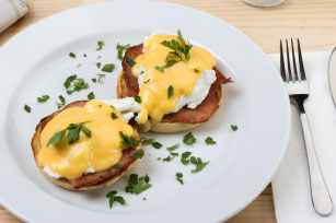 Eggs Benedict Image 1