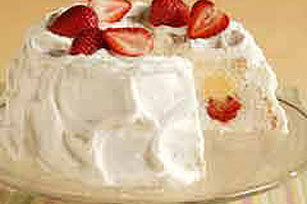 Fluffy Strawberry-Lemon Cake Image 1